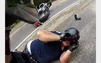 Deux motards chutent pendant une sortie